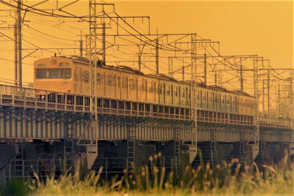 多摩川を渡る南武線