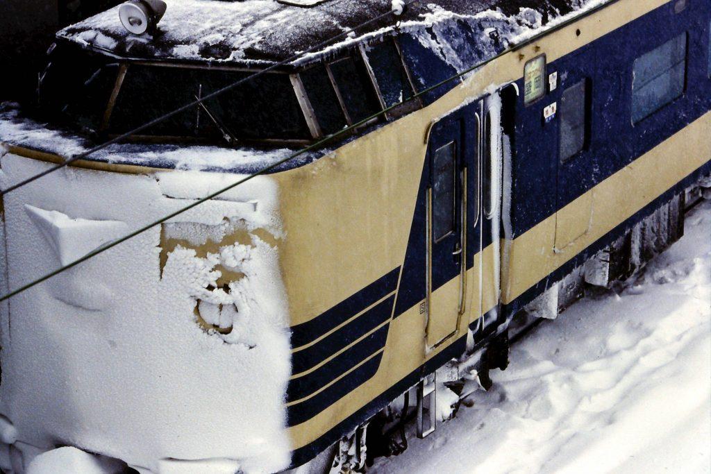 雪の583系